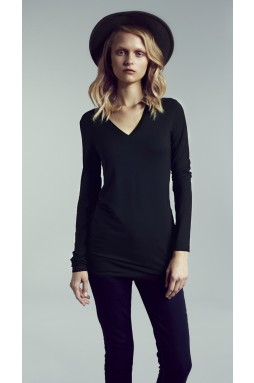 THE LOGAN (LONG SLEEVE FITTED V
